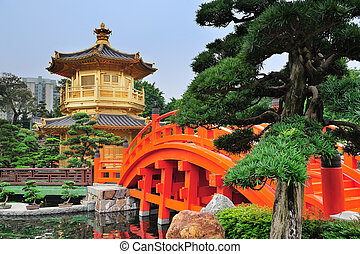 Hong Kong garden - Pagoda style Chinese architecture in...
