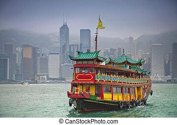 Hong Kong. - Image of traditional Chinese Junkboat sailing...