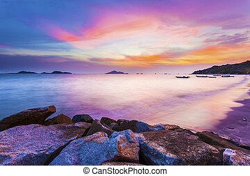 hong kong, zonsondergang over oceaan