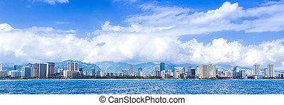 The city skyline of Honolulu, Hawaii on the Pacific Ocean