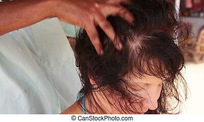 hoofd, therapist's, op, handen, afsluiten, woman., masseren