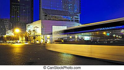 hoog, licht, vaag, downtown, nightscape, bus, sporen, snelheid