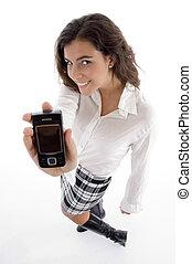 hoog, vrouw, hoek, het tonen, jonge, mobiele telefoon, aanzicht