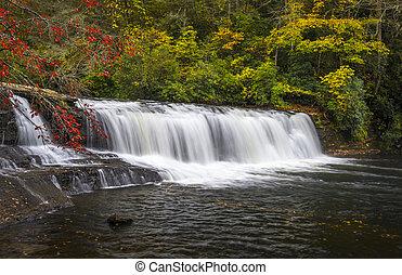 hooker, dalingen, herfst, watervallen, dupont, staat, bos, nc, dalingsgebladerte, natuur, en, landscape, fotografie