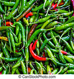 hoop, van, groene, en, rode chillis, in, detailhandel, groente, fantastische markt, te koop