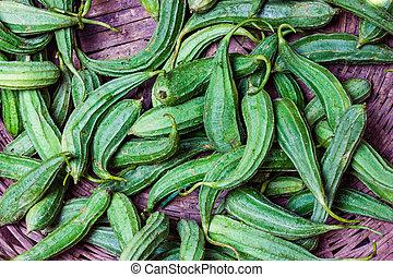 hoop, van, groene, kam, kalebassen, jhinga, in, detailhandel, groente, fantastische markt, te koop