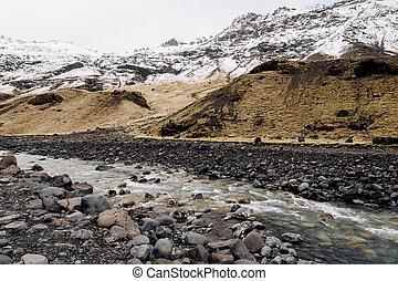 hora, řeka, zbabělý, iceland., suchý, hory, máj, stopa, pastvina, sníh- přetrumfnout, peak.