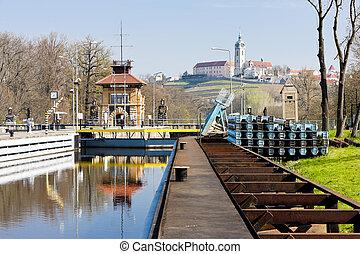 Horin lock and Melnik Castle at background, Czech Republic