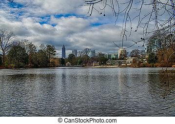 horisont, och, funderingar, av, midtown, atlanta, georgia, in, insjö, meer, från, piemonte, park.