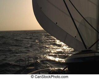 Horizon on sea - Sail and horizon filmed on a catamaran