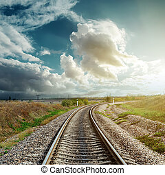 horizont, vasút, őt jár, felhős
