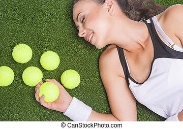 horizontal, sportive, tennis, artificiel, surface, femme, portrait, balls., herbe, bronzé, image, mensonge, heureux