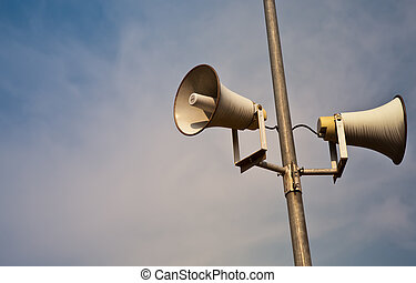 horn loud speaker - Public address horn loud speakers on...