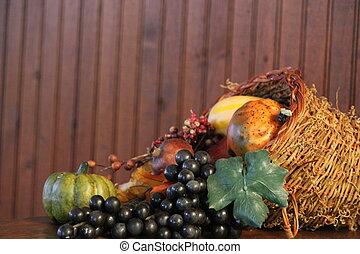 Wicker basket horn of plenty