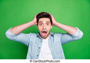 horrifié, craintif, fond, vif, isolé, sur, plus mauvais, homme, connu, vert, photo, poil, après, couleur, nouvelles, tenir tête, mondiale, fou, avoir, sien
