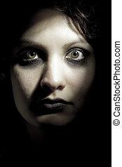 horror, mujer