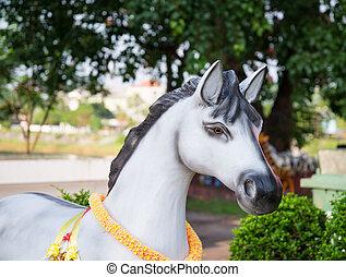 horse statue.