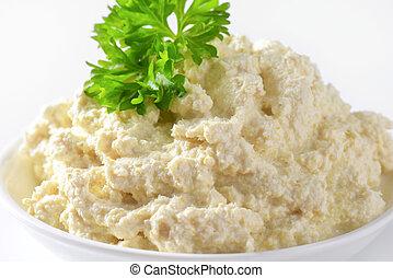 Horseradish sauce - Grated horseradish combined with salad ...