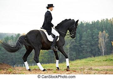 horsewoman, jockey, in, likformig, med, häst