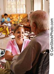 hospice, verpleegkundige, het luisteren, om te, oudere man,...