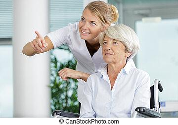 hospitalar, sênior, cadeira rodas, mulher, enfermeira