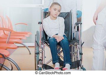 hospitalized, 女孩, 上, 輪椅