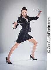 hosszú lábú, nő, feltevő, noha, harcművészetek, swords.