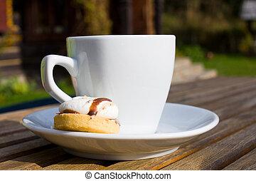 hot black coffee and chocolate cake