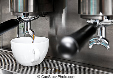 cappuccino from coffee machine - hot cappuccino from coffee...