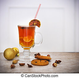 Hot Christmas tea with spices