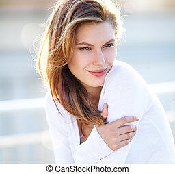 Hot Girls Wearing Sweaters - hilarious brunette smiling girl...