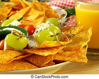 Hot nachos for a starter