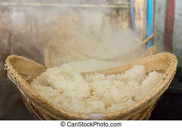 Hot sticky rice