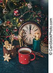 Hot tea with christmas cookies