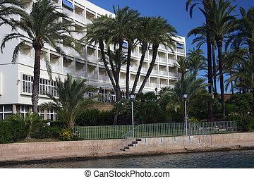 HOTEL - hotel on the beach