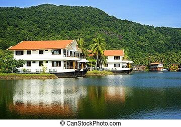 Hotel in the jungle