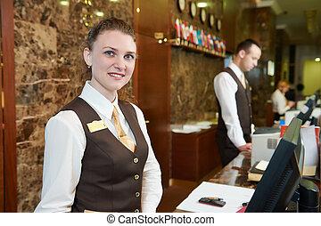 hotel, trabajador, en, recepción