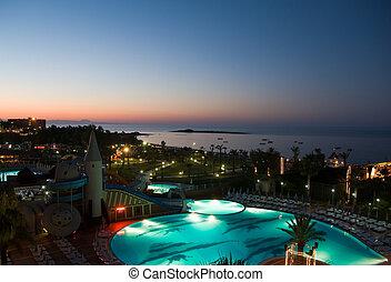 hotel, vista, piscina, noche