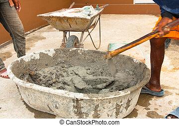 houe, constructeur, ouvrier, ciment, mélange, pendant, mouillé, utilisation