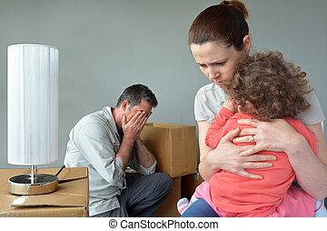 house., 悲しい, 心配した, 家族, 立ち退かせられた, 移転する