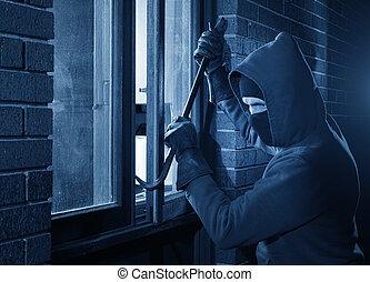 House break in by hooded burglar - Burglar Using Crowbar To...