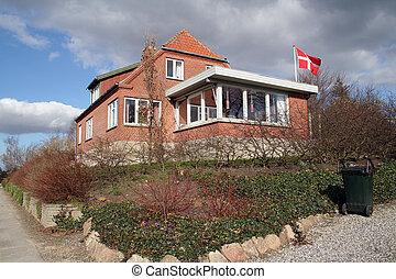 house brick denmark - house made of red brick. scandinavian...