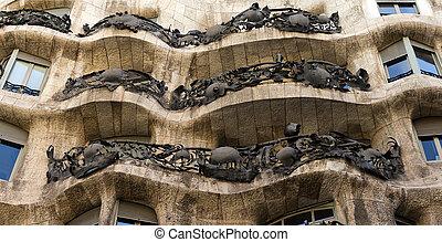 house Casa Mila, architect Antonio Gaudi