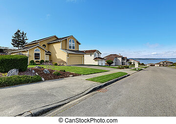 House exnterior with curb appeal. View from driveway