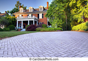 House exterior - exterior and driveway of a house