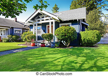 House exterior with curb appeal - Simple house exterior with...