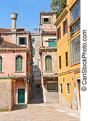House in courtyard of the Italian city