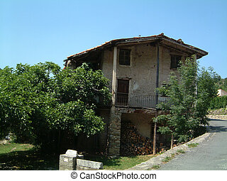 House in Pyrenees Mountain village - House in a mountain...
