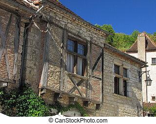 House, Lapopie