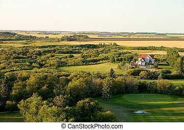 House on golf course - Large farm house sitting on the edge...